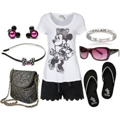 Cute outfit for Disneyland ..., for my daughter. 8-)