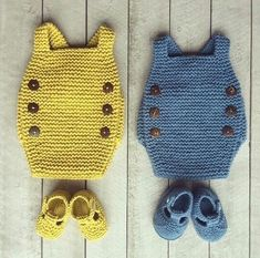 Unique design poncho and poncho dress in one tutorial - English version - Crochet Hood Baby Knitting Patterns, Knitting For Kids, Crochet For Kids, Baby Patterns, Knitting Projects, Crochet Projects, Hand Knitting, Knit Crochet, Crochet Patterns