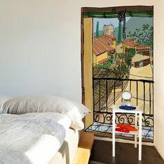 Ventana con persiana, vinilo decorativo, by Javier Mariscal.