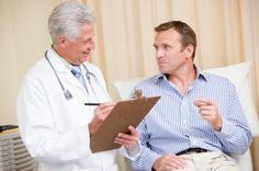 Como tratar varicocele ou varizes nos testículos. A varicocele é a inflamação das veias que envolvem o cordão espermático, uma condição que se cura de forma definitiva com uma cirurgia mas cujos sintomas podem ser amenizados recorrendo a algumas solu...