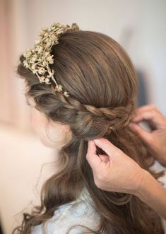 Wedding Hairstyles For Medium Length Hair Half Up Half Down    And you are looking for such kind of Wedding Hairstyles  that give you th...