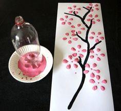 arbre à l'aide de bouteille de liqueur en plastique // I don't know what the caption says, but I love the idea!