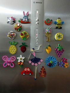 No photo description available. Quilling Dolls, Arte Quilling, Quilling Paper Craft, Paper Crafts, Quilling Keychains, Paper Quilling Earrings, Origami And Quilling, Paper Quilling Tutorial, Paper Quilling Patterns