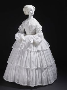 Muslin Dress, 1855 Los Angeles County Museum of Art - this can be replicated - please visit my Etsy shop to discuss custom design and pricing. Vintage Outfits, Vintage Gowns, Vintage Mode, Victorian Gown, Victorian Fashion, Vintage Fashion, Victorian Outfits, Historical Costume, Historical Clothing
