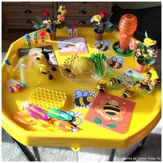 Bee Week Tuff Tray Bee Activities for Kids Bee Activities, Playdough Activities, Toddler Activities, Gruffalo Activities, Nursery Activities, Tuff Spot, Giant Bubble Recipe, Gruffalo's Child, Play Dough Sets