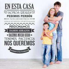 Lindo vinilo decorativo con frase sobre la familia. http://masquevinilo.com/con-textos/901-vinilo-decorativo-familia-ii.html