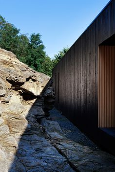 upon a rock:  hideg house, hungary/berés architects