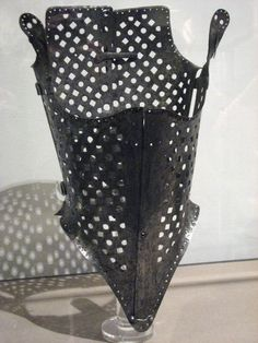 . Steel corset, from the second part of the 16th century (Museo Stibbert, Florence)