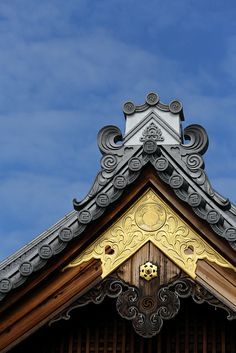 notice the difference from this to the Chinese roof Ancient Chinese Architecture, Asian Architecture, Architecture Details, Pavilion Architecture, Sustainable Architecture, Residential Architecture, Contemporary Architecture, Japanese Castle, Japanese House