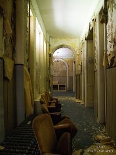 Lost | Forgotten | Abandoned | Displaced | Decayed | Neglected | Discarded | Disrepair | Cliff Mansion- hallway.