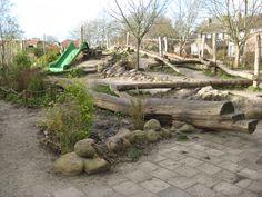 Speelreliëf Jac Thysse-school Texel (NL) Garden Bridge, Playground, Outdoor Structures, Patio, The Originals, School, Wood, Outdoor Decor, Design
