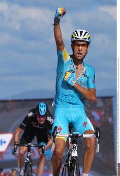 Vuelta a España 2014 - Stage 18: A Estrada - Monte Castrove en Meis 157km photos - Aru wins stage 18 ahead of Froome
