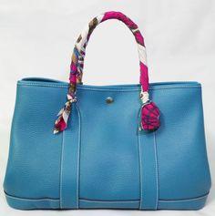 CHAPS Navy Blue Handbag/Purse, EUC, Medium Shoulder Bag | Anything ...