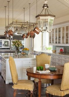 Lovely kitchen from Christine Markatos Design. #laylagrayce #kitchen