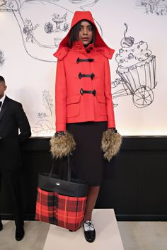 I want that bag. and those gloves! #katespade