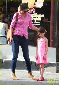Katie Holmes in The Looker #style