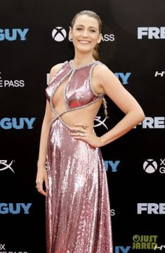 Celebrity News, Celebrity Style, Blake And Ryan, Golden Blonde Hair, Bright Blonde, Sleek Ponytail, Dressed To The Nines, Ryan Reynolds, Film Awards