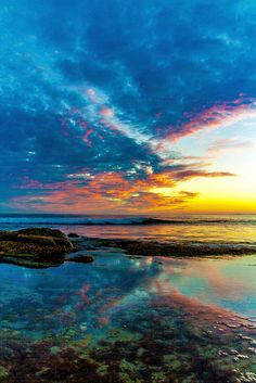 AMAZING SUNSET beach sky blue clouds reflection  | von JJDPhotography