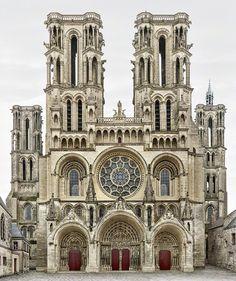 forma es vacío, vacío es forma: Markus Brunetti - fotografía, monumentos Para saber más sobre arquitectura y su historia visita www.solerplanet.com