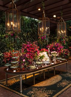 Your Wedding Reception Food - Aspire Wedding Wedding Themes, Wedding Designs, Wedding Colors, Wedding Flowers, Wedding Venues, Wedding Decorations, Table Decorations, Party Deco, Christmas Tablescapes