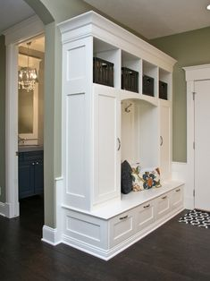perfect built-in bench for a foyer