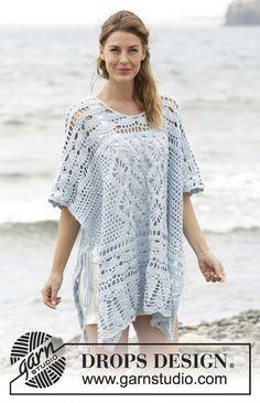 """Graceful Mermaid - Von oben nach unten gehäkelter DROPS Poncho in """"Cotton Merino"""" mit Lochmuster. Größe S - XXXL. - Free pattern by DROPS Design"""