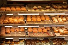 We're nearing Lent which means bakeries across the city are busy baking pączki in time for Fat Tuesday and Fat Thursday. In Chicago, we celebrate both.