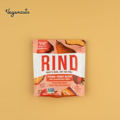 🍓The RIND StrawPeary Dried Fruit Blend is a naturally sweet snack packed with extra antioxidants and fiber. RIND stands out because they leave the skin on so you get the most benefits out of this tasty treat. Get yours in the Vegancuts April Snack Box. 😋 #vegansnacks #healthysnacks