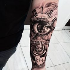 Awesome black and grey tattoo works by tattoo artist Fabricio Victor