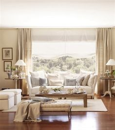 99 Comfortable And Modern Living Room Decor And Design Ideas For You - Page 76 of 99 - Chic Hostess Fancy Living Rooms, Diy Living Room Decor, Classic Living Room, Living Room Modern, Home Living Room, Small Living, Estilo Colonial, Moraira, Dream Decor