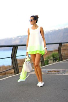 splicUSA.com: She looks pretty that she wears fresh colors dress.  #womensoutfit #fashion #lifestyle