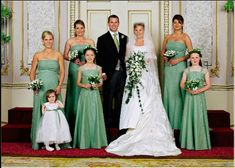 Zara Phillips at her brother's wedding Famous Wedding Dresses, Royal Wedding Gowns, Royal Weddings, Wedding Bride, Zara Phillips, Peter Phillips, Autumn Phillips, Windsor, Princess Anne