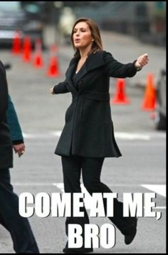 Oh my god! Lmbo!! Mariska Hargitay, a.k.a. Olivia Benson behind the scenes, Law and Order: SVU