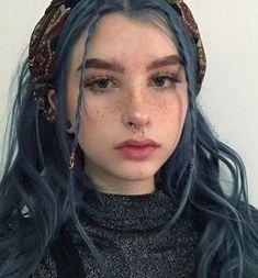 Sadie girl and blue hair ☁🌨☁ Hair Inspo, Hair Inspiration, Character Inspiration, Dye My Hair, Aesthetic Hair, Grunge Hair, Pretty Hairstyles, Pretty Face, Hair Goals