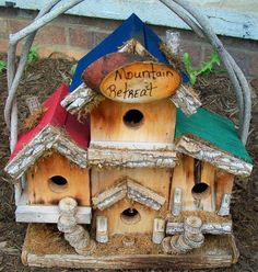 more birdhouses.. an apartment complex!!