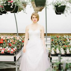 This is an uplifting garden inspired wedding inspiration session! Beautiful bold colors that remind me of spring!