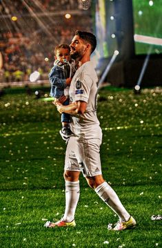 Isco with his son