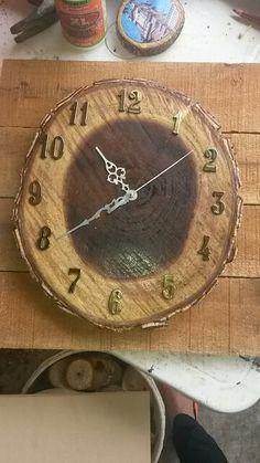 Reloj de pared. Madera.