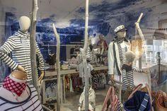 Botiga de Roba Marinera de @batela en Calella de Palafrugell - Costa Brava Summer Decoration, Costa, Shopping, Tops, Women, Fashion, Moda, Women's, La Mode