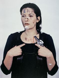 play: Marina Abramović - Rhythm 0, 1975