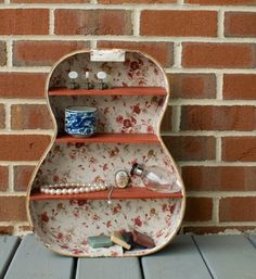 Dishfunctional Designs: The Upcycled Guitar Shelf. Repurposed Furniture, Diy Furniture, Repurposed Items, Guitar Shelf, Guitar Case, Guitar Storage, Deco Dyi, Decoracion Low Cost, Vintage Inspiriert