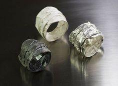 ANELLO FASCIA Argento Brunito 925- Argento Decapato 925- Argento 925. I modelli sono pezzi unici completamente realizzati a mano.