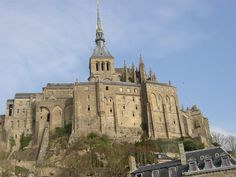 Picture - Mont-St-Michel abbey looks like a fortified castle. | PlanetWare