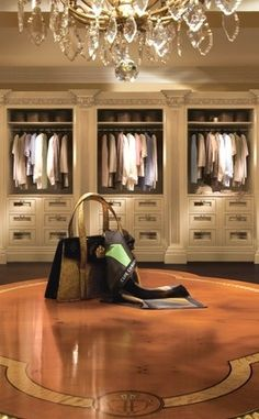 1000 images about dressing rooms clothroom on pinterest for Fancy walk in closet