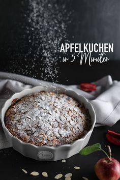 Besuch hat sich kurzfristig angemeldet oder du bist spontan eingeladen und brauchst noch schnell einen leckeren Kuchen? Dieser einfache Apfelkuchen ist in 5 Minuten zubereitet und kann dann direkt in den Ofen. 🍎 #sallys #sallyswelt #sallysweltrezept #rezept #recipe #apfelkuchenrezepteinfach #apfelkuchenrezeptschnell #schellerkuchen #kuchenrezeptschnell #kuchenmitapfel #applepierecipe #apfelkuchensaftig #kuchenausdemmixer #lastminutecake #applecake #kuchenrezepteinfach #apfelkuchenselberbacken Cereal, Pudding, Breakfast, Desserts, Food, Yummy Cakes, Bakken, Apple Pie Recipe Easy, Fast Recipes