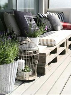 DIY Outdoor Pallets Sofa.