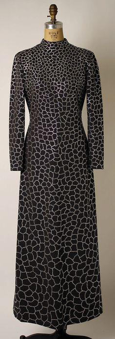 Evening Dress 1973 wool, glass by Pauline Trigere - print 70s Fashion, Fashion Shoot, Fashion History, Runway Fashion, High Fashion, Vintage Fashion, Fashion Outfits, Vintage Wear, Vintage Clothing