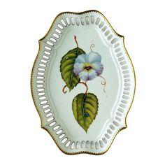 <U>Pansy Pierced Oval Platter</U>