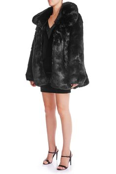 Keep yourself nice and cosy this winter with our SKYE Oversized Faux Fur Coat. Equally glamorous and effortless. Its slouchy silhouette is accented with an oversized collar. Signature Collection, Mulberry Silk, Silk Satin, Raven, Faux Fur, Fitness Models, Fur Coat, Women Wear, Classy