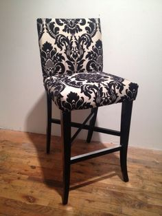 Black and white damask chair with black woven outside back. This chair is perfect for a side kitchen counter or bar top given that it sits higher then dining chairs . Outdoor Dining Chairs, Bar Chairs, Bar Stools, Desk Chairs, Side Chairs, Dining Table, Damask Decor, Damask Bedroom, Royal Chair